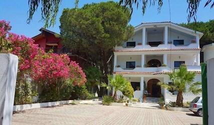Villa Ujvara 2*, Албания, Дуррес
