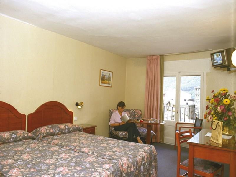 Отель Sant Jordi Андорра Ла Велла