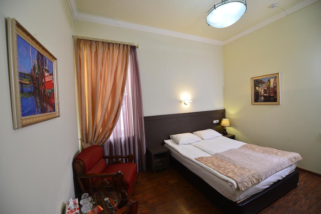 Отель Yerevan Deluxe Hotel Ереван