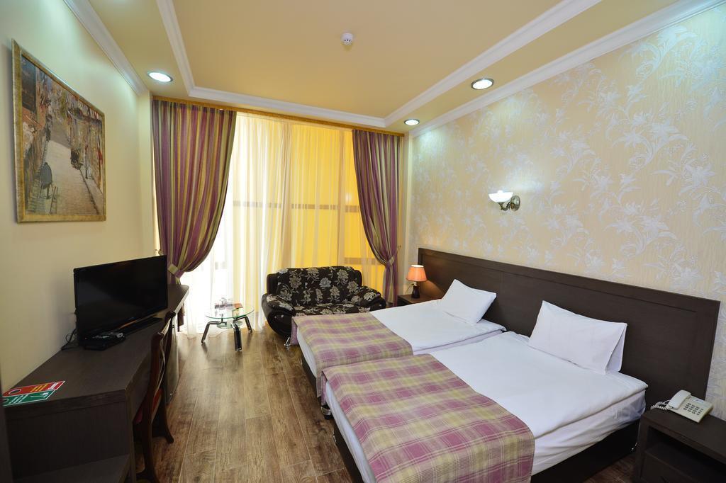 Фото Yerevan Deluxe Hotel Армения