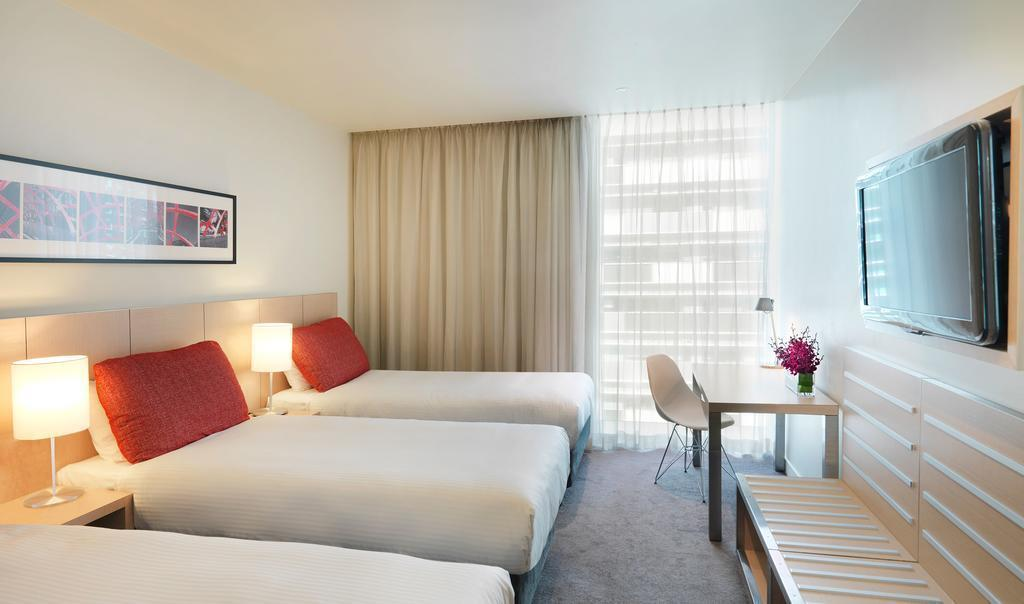 Отель Travelodge Docklands Австралия Мельбурн