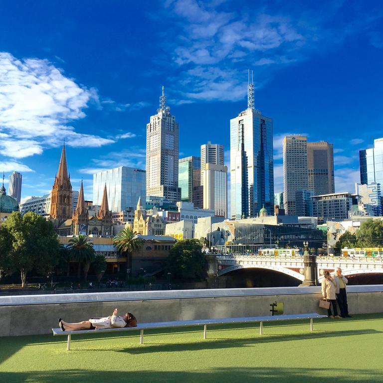 Travelodge Docklands Мельбурн