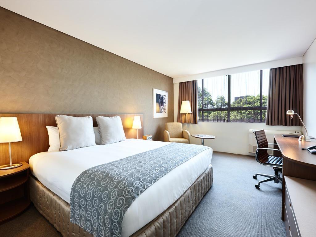 Отель Urban St Leonards Сидней