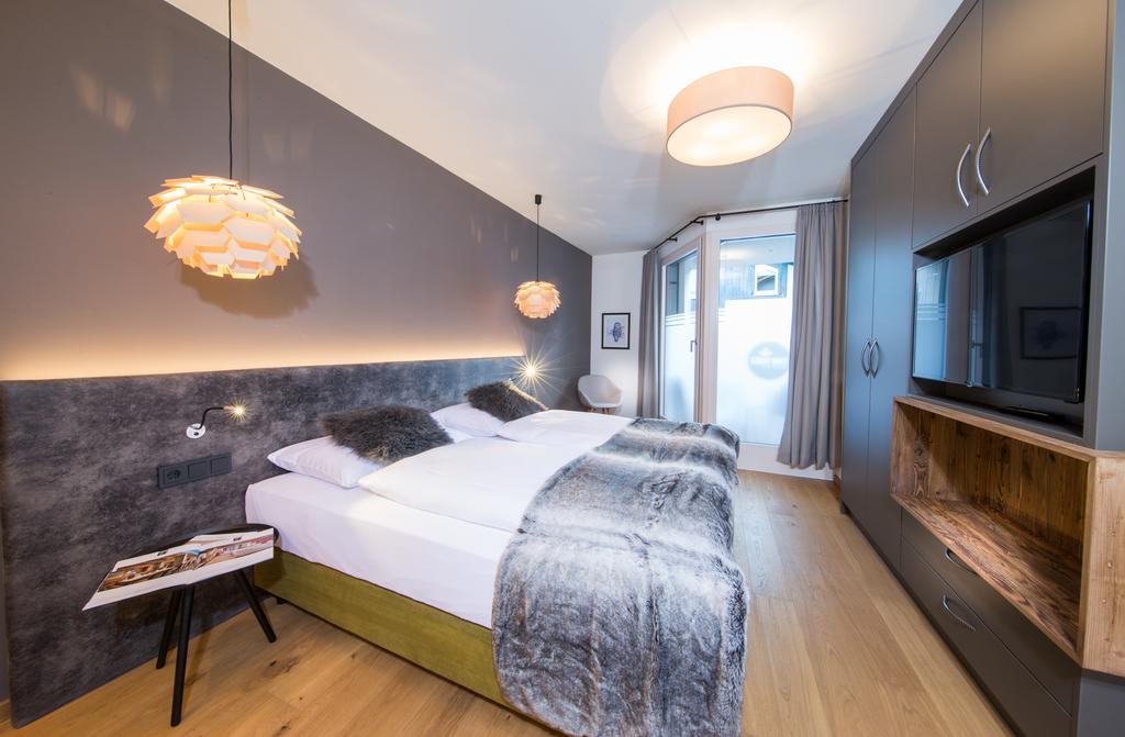 Фото Two Timez Boutique Hotel Целль-ам-Зее