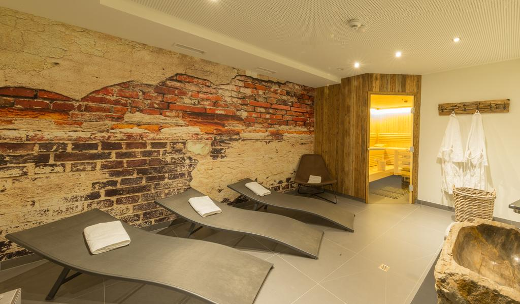 Фото Two Timez Boutique Hotel