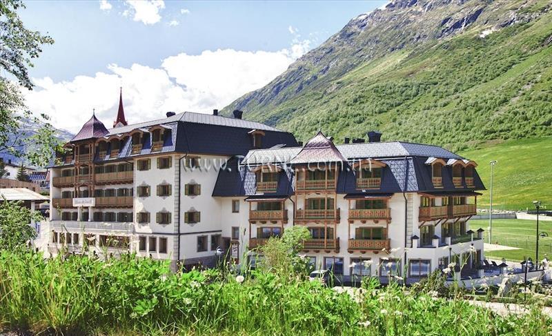 Отель Fluchthorn Гальтур