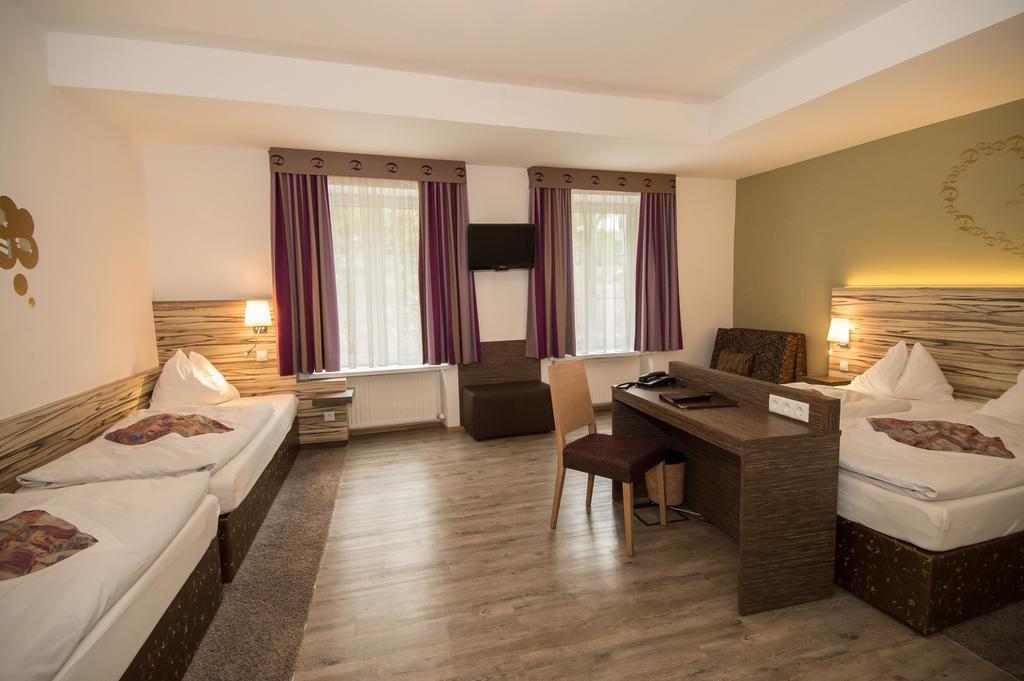 Отель Dollinger Hotel Инсбрук