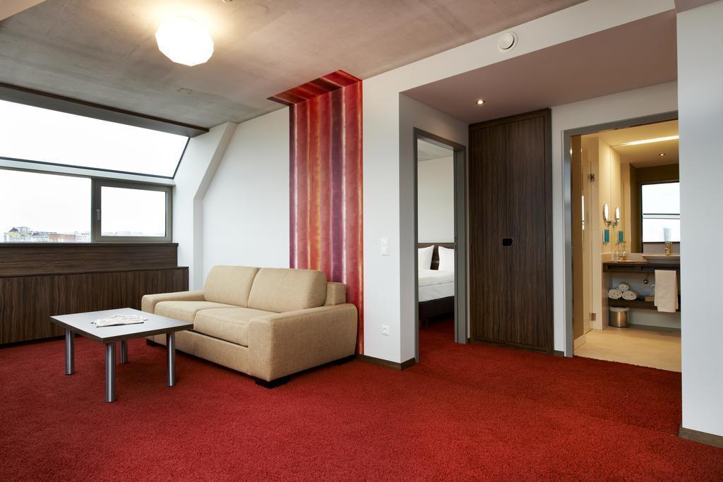 Фото Simms Hotel