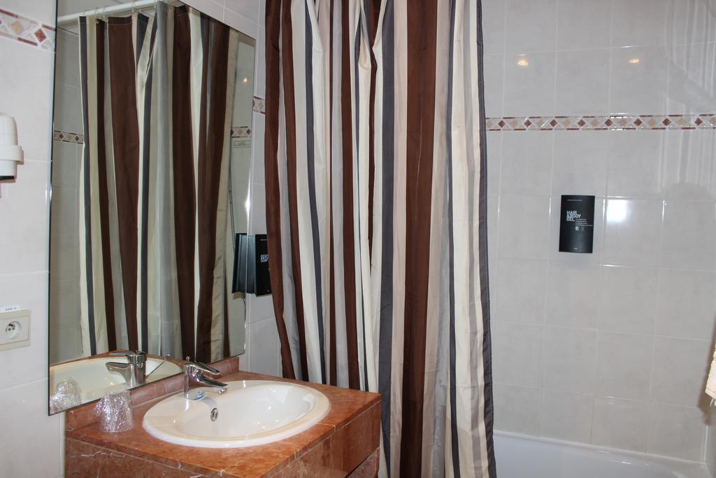 Фото Floris Hotel Arlequin Grand-Place Брюссель