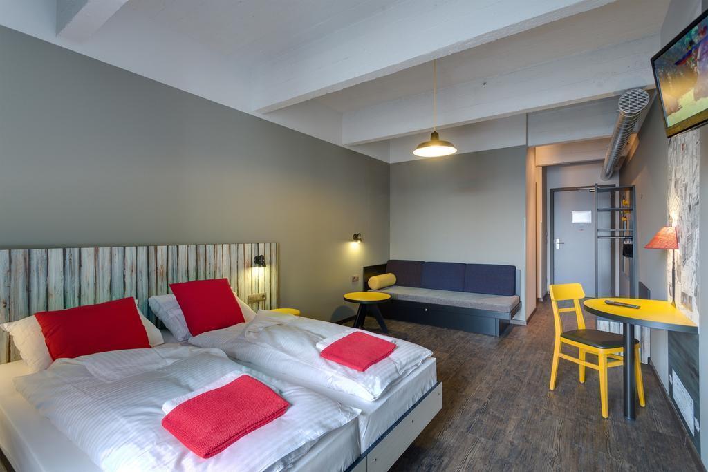 Фото Meininger Hotel Brussels City Center Бельгия
