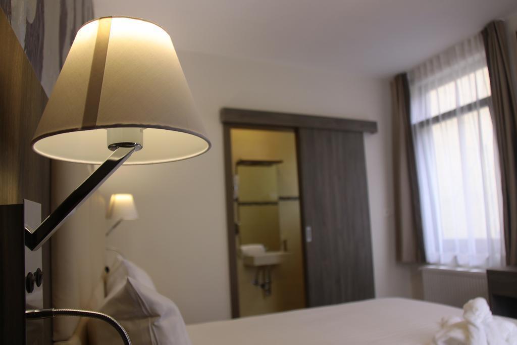 Фото Dansaert Hotel Брюссель