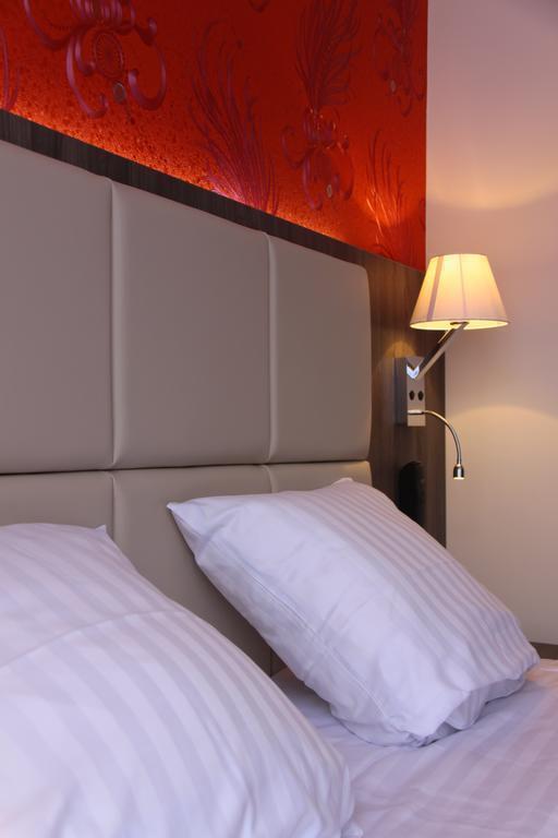 Отель Dansaert Hotel Бельгия Брюссель