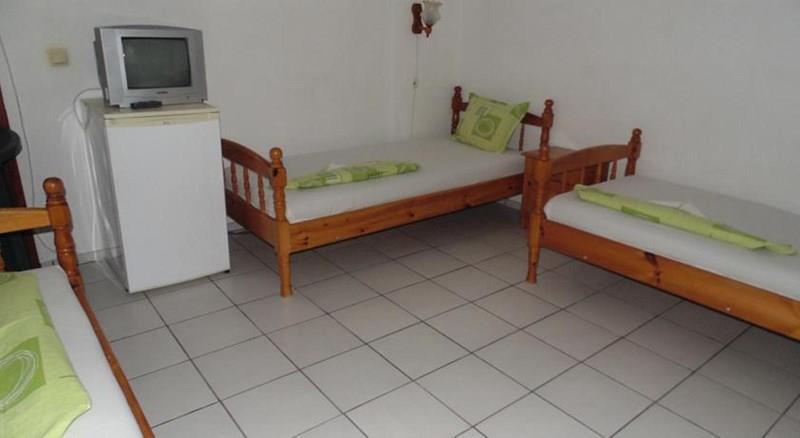 Фото Topalovi Family Hotel-West Болгария