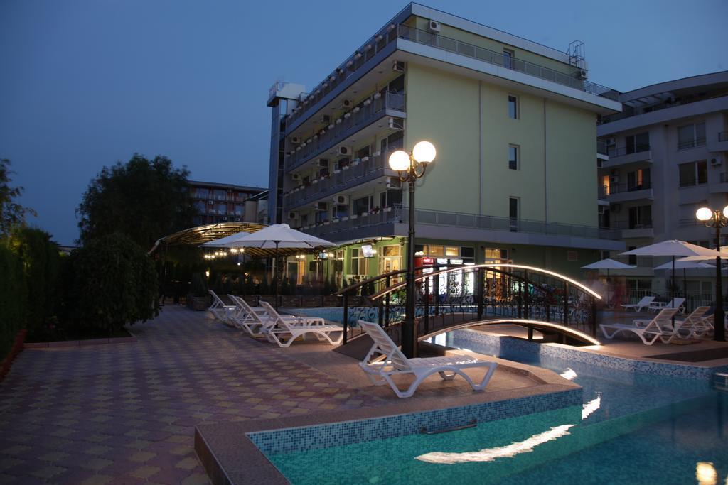 Отель Zaara Солнечный берег