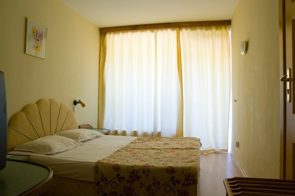 Отель Perla Золотые пески