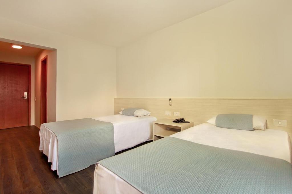 Отель Novo Vernon Hotel Куритиба