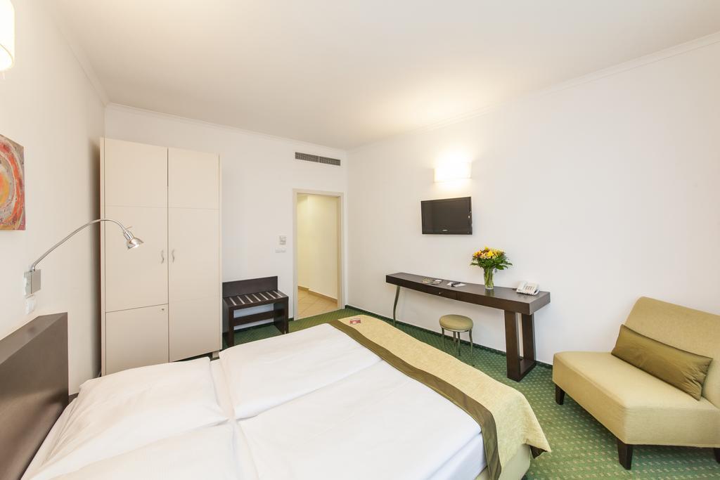 Фото Hotel Vitkov Чехия