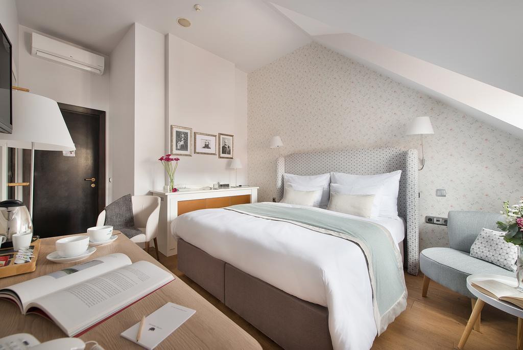 Отель Design Hotel Neruda Прага