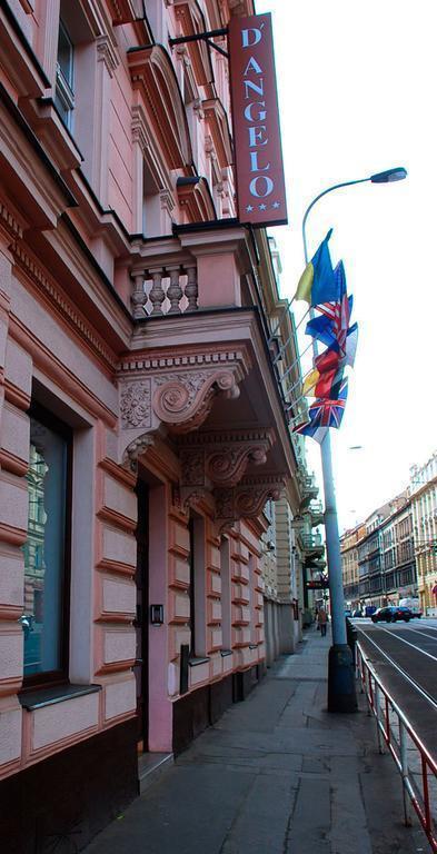 D'Angelo Прага