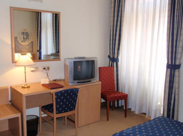 Отель Tivoli Прага