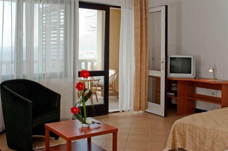 Отель Tenzera Кумбор