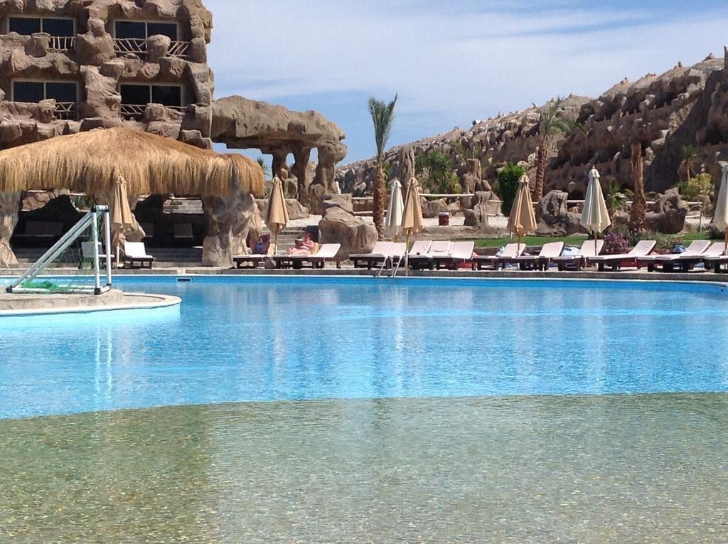 Фото Caves Beach Resort 5*