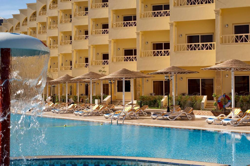 Фото Amc Royal Hurghada 5*