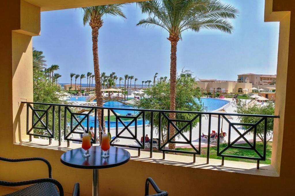 Фото Cleopatra Luxury Resort Makadi Bay 5*