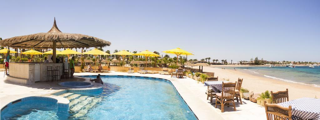 Фото Lotus Bay Beach Resort & Gardens 4*