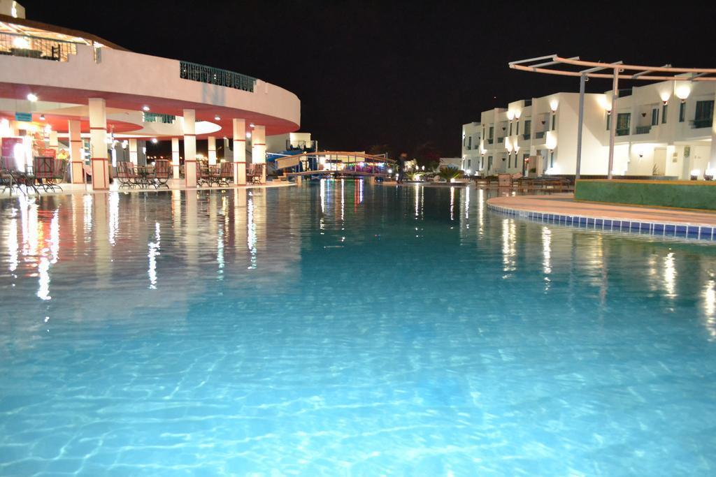 Sharm Holiday Resort Шарм-эль-Шейх