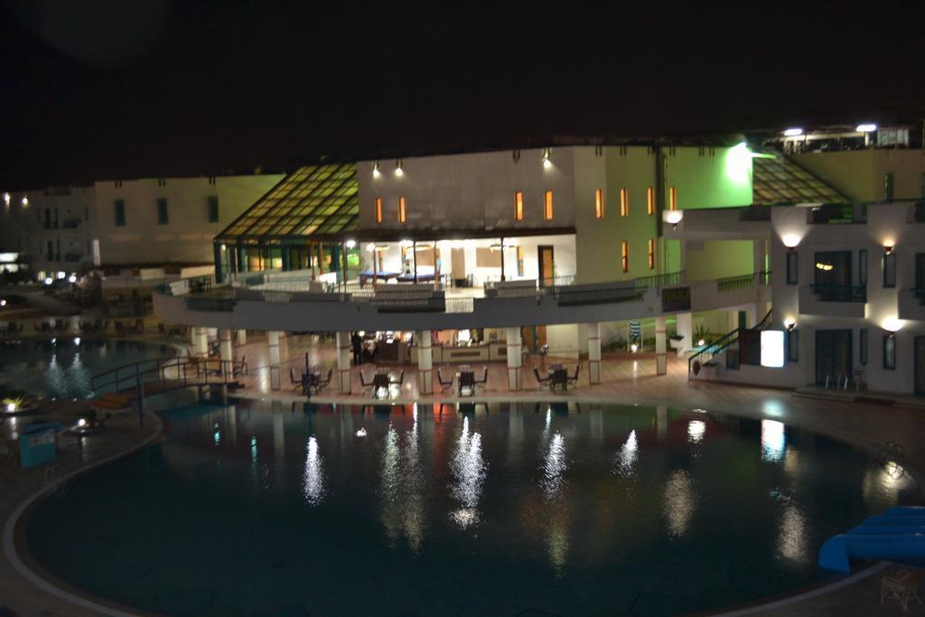 Фото Sharm Holiday Resort 4*