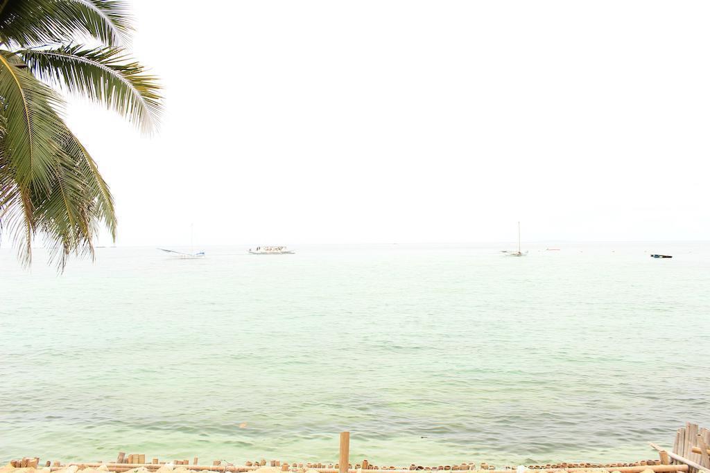 The Beach House Boracay Боракай