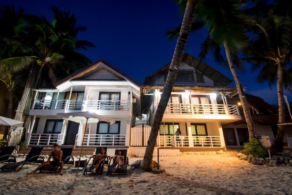 Фото The Beach House Boracay Боракай