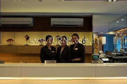 Фото The A Venue Hotel Suites Филиппины Манила