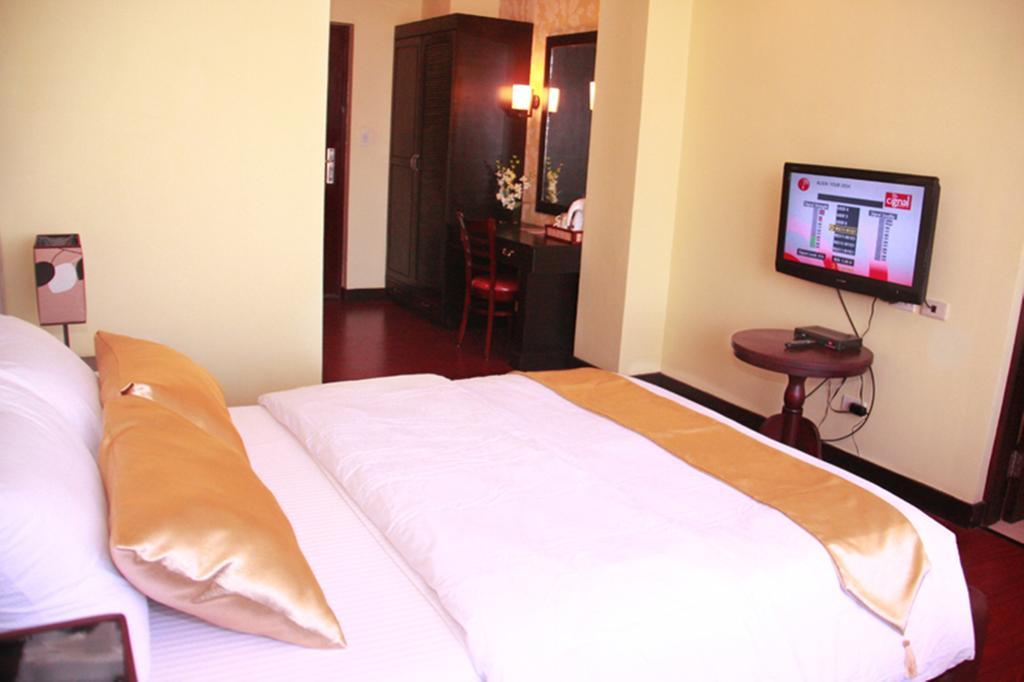 San Remigio Pensionne Suites о. Себу