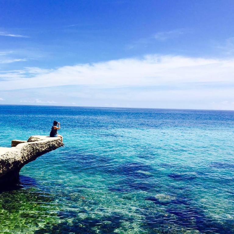 Фото San Remigio Pensionne Suites Филиппины