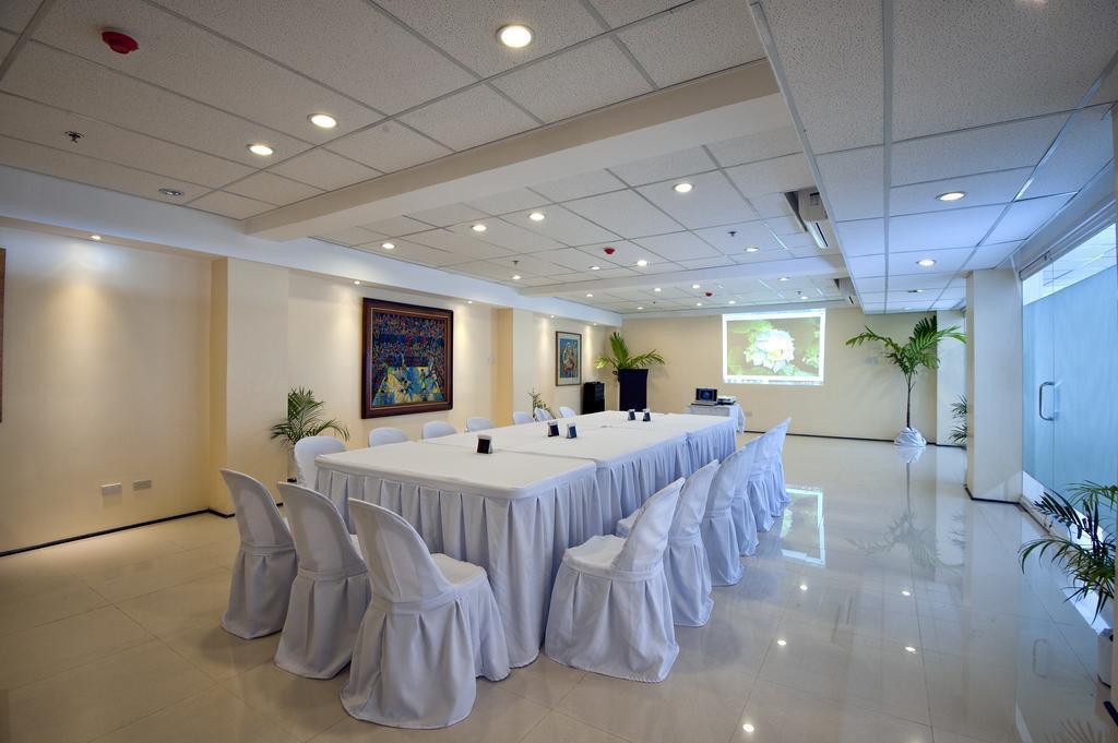 Отель M Citi Suites о. Себу
