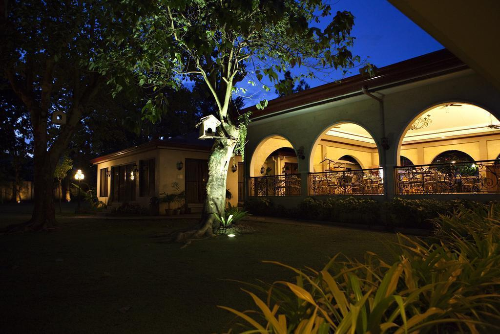 Фото Montebello Villa Hotel Филиппины