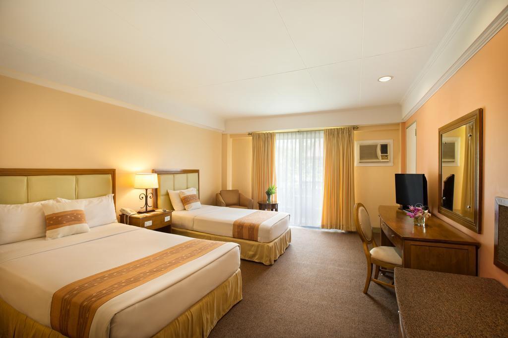 Отель Montebello Villa Hotel о. Себу
