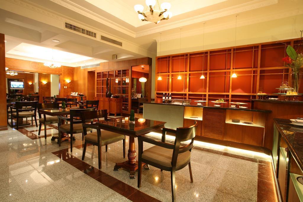 Фото Waterfront Cebu City Hotel & Casino Филиппины