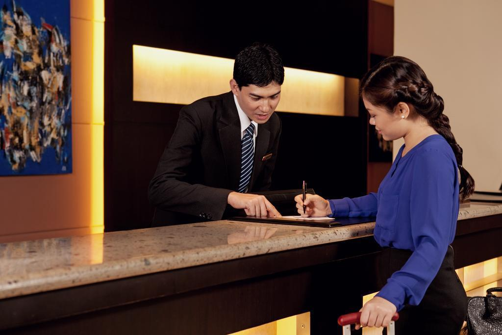 Отель Waterfront Cebu City Hotel & Casino о. Себу