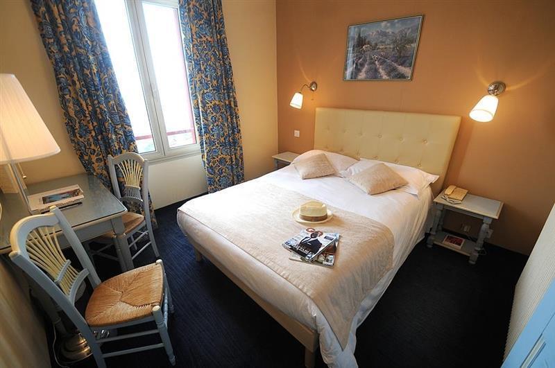 Отель Des Oranges Канны
