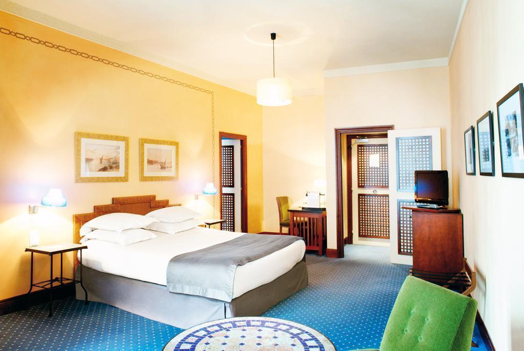 Фото New Hotel Vieux Port Франция