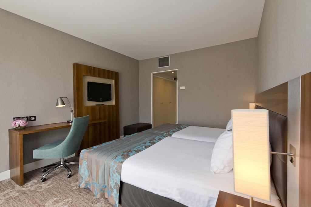Фото Holiday Inn Nice Франция Ницца