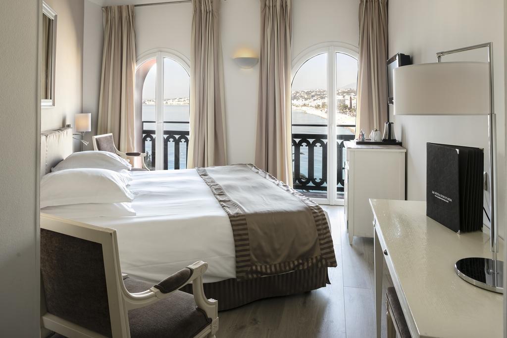 Отель Suisse Ницца