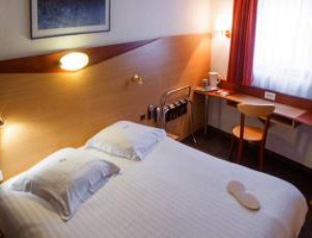 Отель Kyriad Port Франция Ницца