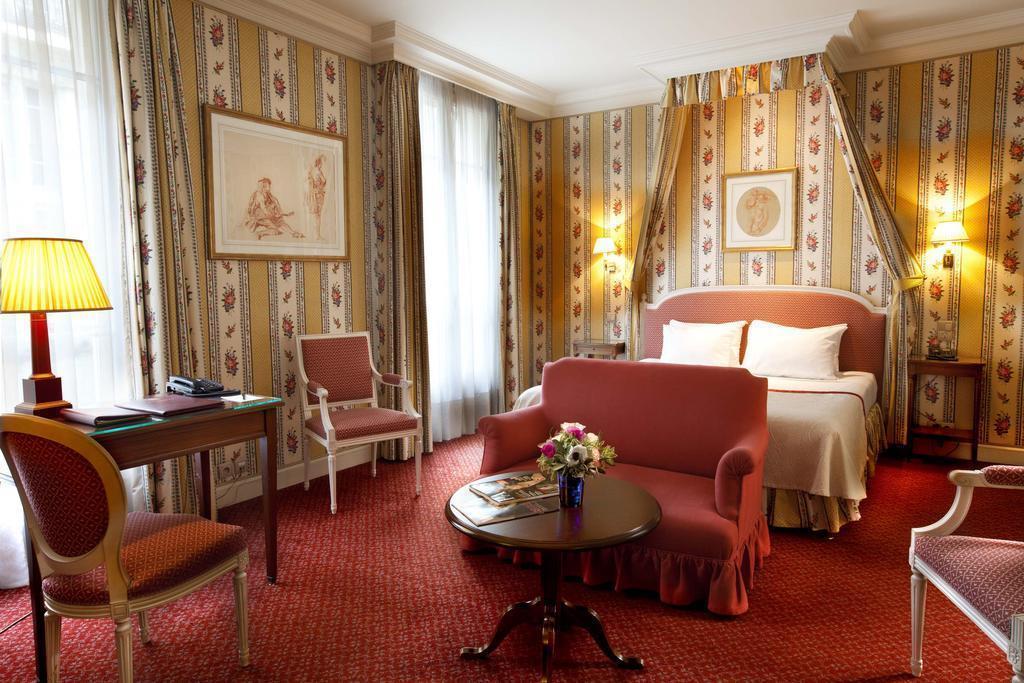 Отель Victoria Palace Париж