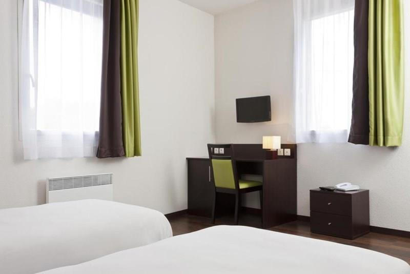 Comfort Bobigny Paris Est 3* Франция Париж