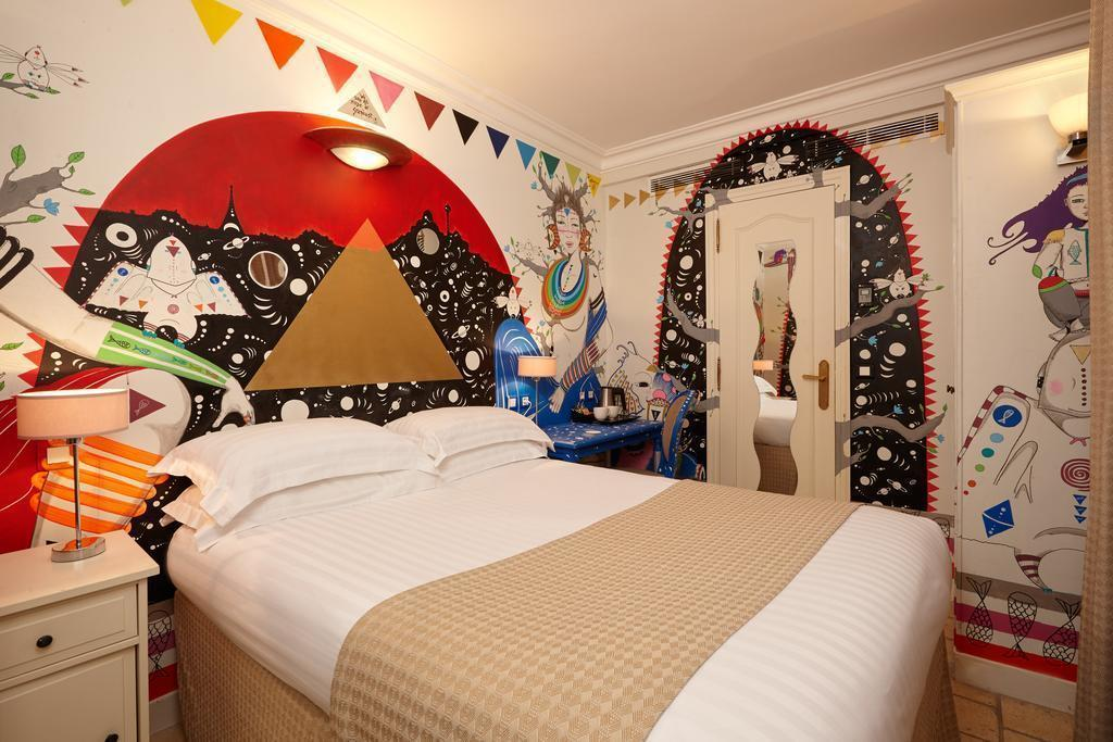 Отель Best Western Saint Martin Bastille Париж