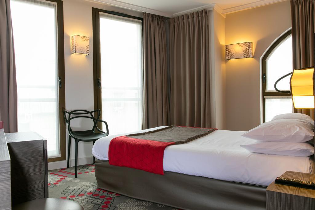 Отель Eiffel Capitol Париж